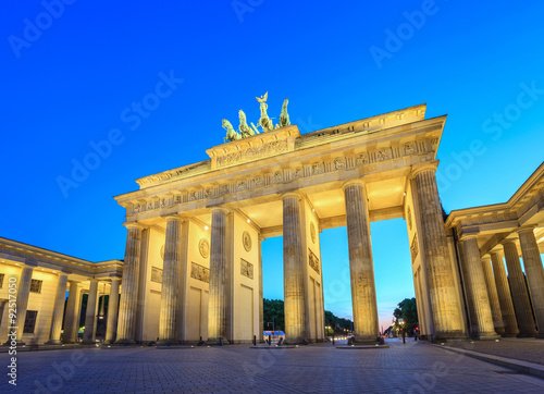 Poster Brandenburg Gate at night - Berlin - Germany