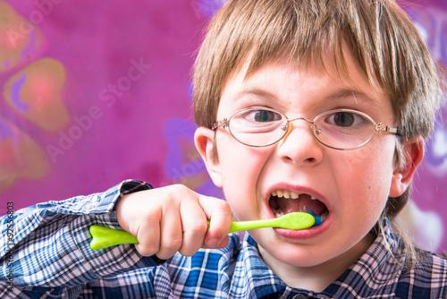 Poster teeth