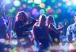 Obrazy na płótnie, fototapety, zdjęcia, fotoobrazy drukowane : group of happy friends dancing in night club