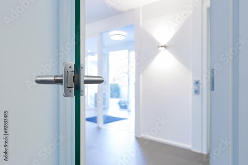 Tür offene Glastür
