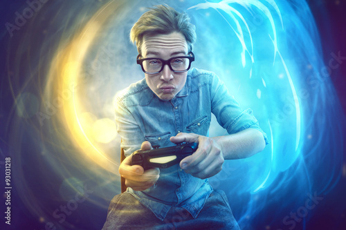 Poster Nerdy gamer with controller