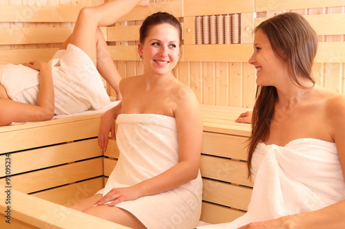 Frauen kennenlernen sauna Wellness Ostsee Erlebnisbad Ostsee Wellness Timmendorfer Strand
