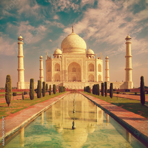 Staande foto India Taj Mahal in Agra, Uttar Pradesh, India