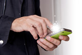 mani, telefonino, scrivere, sms