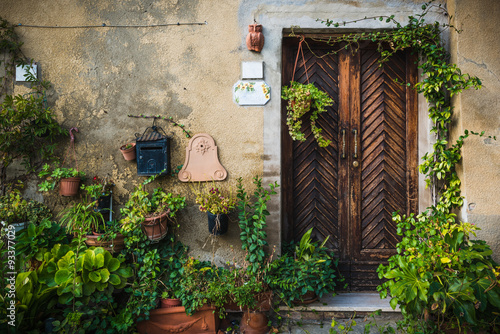 Street and corners of medieval Tuscan town, Lucignano (Arezzo) i
