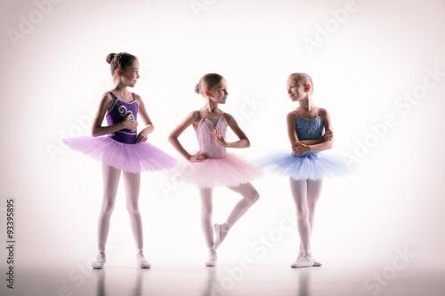 Plakat Three little ballerinas in dance studio