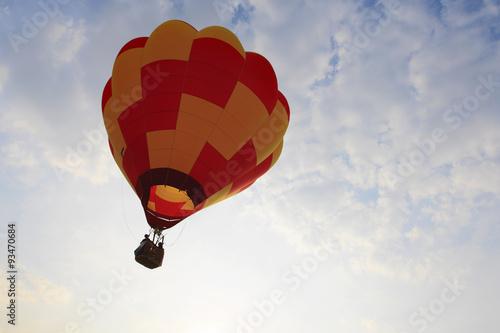 上昇する熱気球 Poster