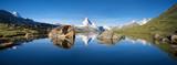 Fototapety Schweizer Berge mit Matterhorn und Stellisee im Vordergrund