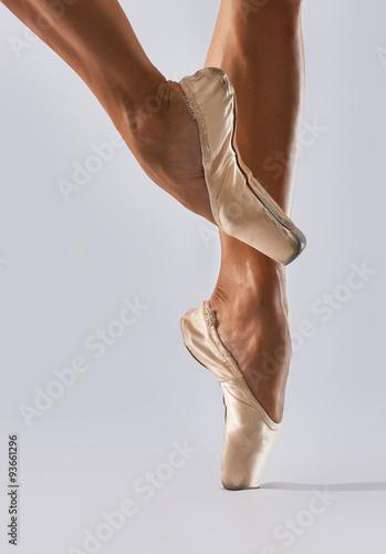 legs in ballet shoes Plakát