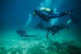Cztery podwodne nurki