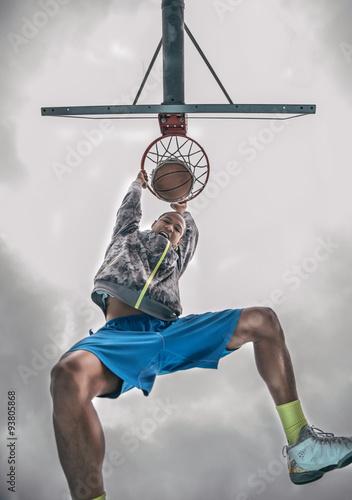 Poster Basketball player doing a slam dunk