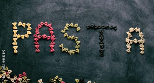 bunte farfalle pasta