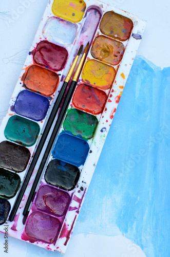 Watercolor paintbox © mashimara