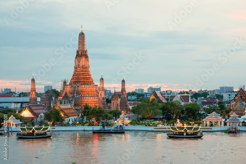 Poster Bangkok Wat Arun and cruise ship in night ,Bangkok city ,Thailand
