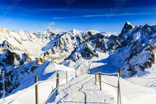 Fototapeta Valle Blanche starting point from the Aiguille du Midi, Mont Blanc, Chamonix