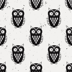 Vector grunge monochrome seamless pattern with cute owls