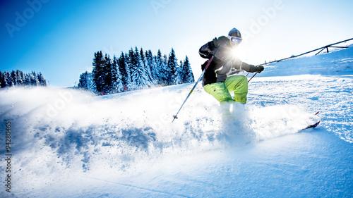 mata magnetyczna Man skiing downhill