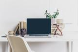 laptop pracovní prostor