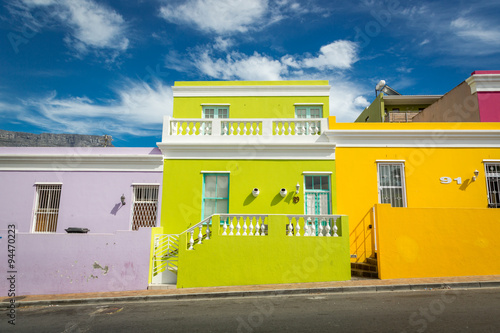 Staande foto Afrika Colourful houses in Bo Kaap area, a former Malaysian neighbourhood in Cape town, South Africa