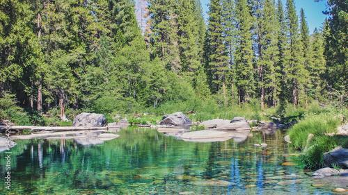 Keuken foto achterwand Olijf 山林の中の美しい渓流