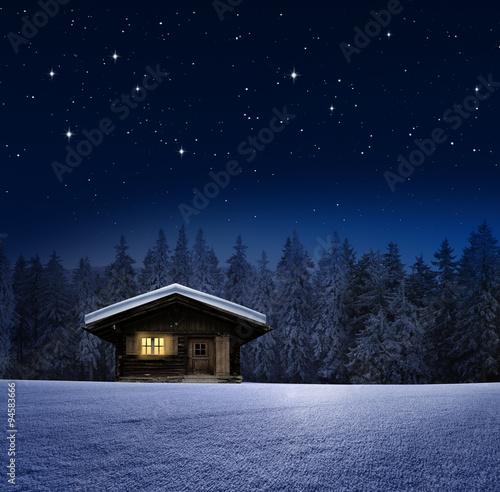 Schihütte im winterwald
