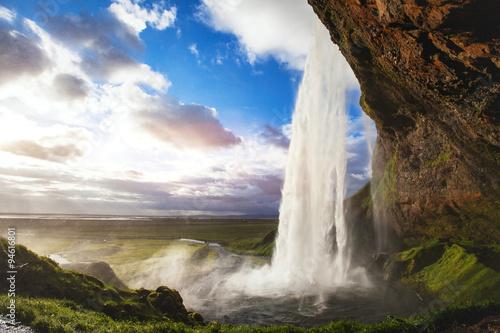 piękny niesamowity krajobraz z Islandii, wodospad Seljandafoss