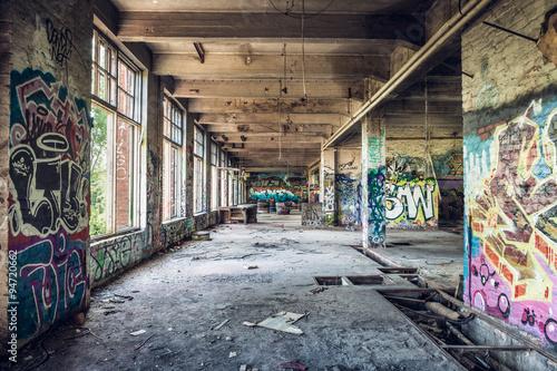 Papiers peints Les vieux bâtiments abandonnés Old abandoned factory hall