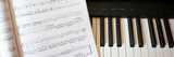 Piano und Musiknoten