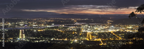 mata magnetyczna Panoramic view of Canberra at sunset