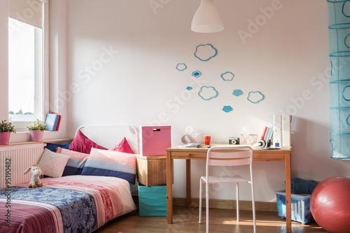 Zdjęcia na płótnie, fototapety, obrazy : Rose details in girl's room