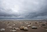 sassi sulla riva