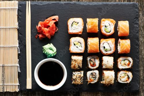 Fototapeta Sushi rolls
