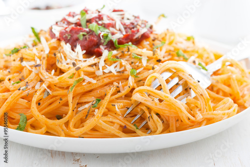 """pasta with tomato sauce and parmesan cheese, close-up"""" Stockfotos und ..."""
