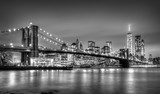 Fototapety Brooklyn bridge at dusk, New York City.