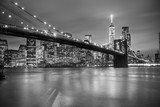 Fototapeta Nowy York - Brooklyn bridge at dusk, New York City. © kasto