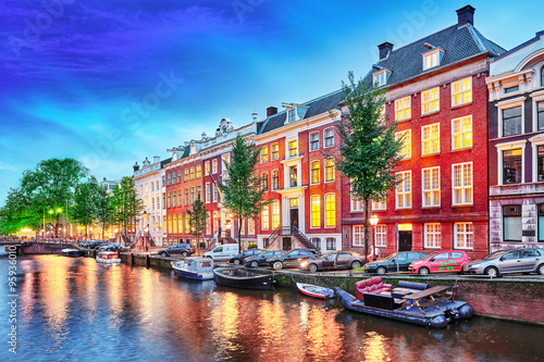 Plakát, Obraz Krásné město Amsterdam při večerním čase.
