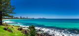Fototapety GOLD COAST, AUS - OCT 4 2015: Gold Coast skyline and surfing bea