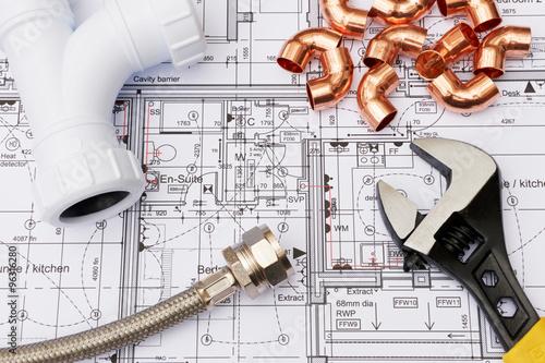Elementy hydrauliczne rozmieszczone w planach domu