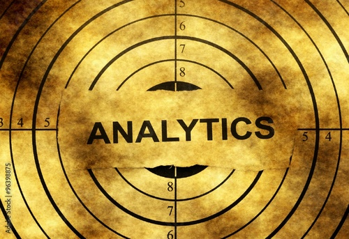 Analytics grunge target © alexskopje