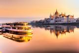 Fototapety Budapest parliament at sunrise, Hungary