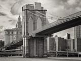 Fototapety The Brooklyn Bridge and the lower Manhattan skyline in New York