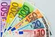 Viele verschiedene Euro-Geldscheine - 96495895
