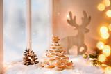 Fototapety Keksbäumchen und weihnachtliche Dekoration