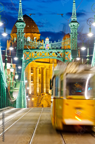 Papiers peints Budapest Liberty Bridge with tram, Budapest, Hungary