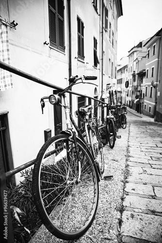 obraz lub plakat Biciclette nel vicolo