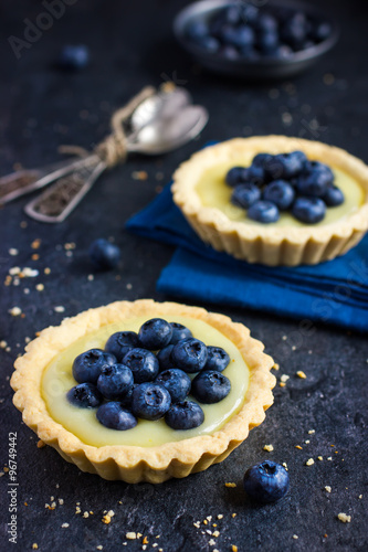 Poster Tart with lemon curd and fresh blueberry