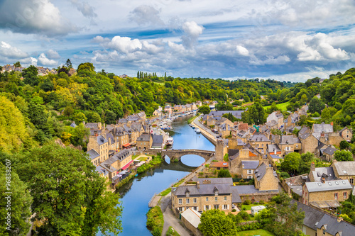 Zdjęcia na płótnie, fototapety na wymiar, obrazy na ścianę : Historic town of Dinan, Bretagne, France