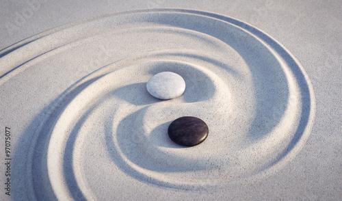 motyw-yin-yang-kamienie-w-piasku