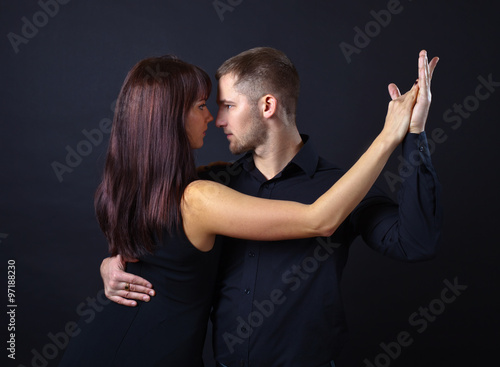 dancing young couple плакат