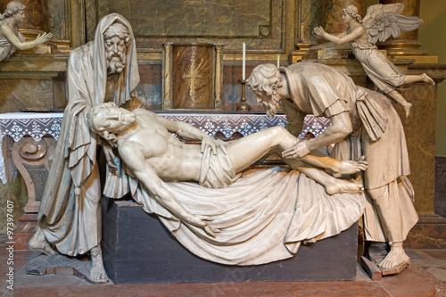 Fototapeta Vienna - statue of Burial of Jesus in Michaelerkirche
